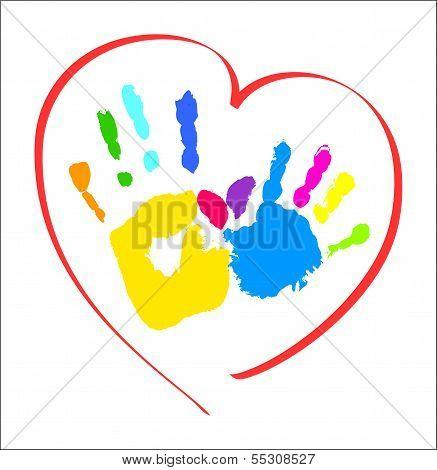 Mutter und Kind die Hände ein Herz