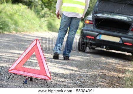 Hazard triangle at a breakdown