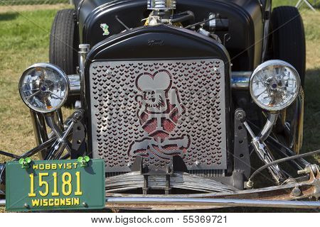 1927 Ford Model T Grill View