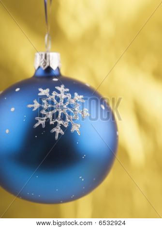 Close-up Photo Of Blue Christmas Ball