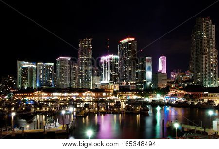 Bayside and the skyline of Miami at night