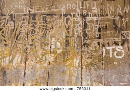 French Graffito3