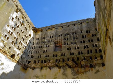 dovecote abandoned and in ruins