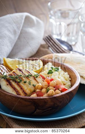Chickpea salad, cous-cous and grilled cheese