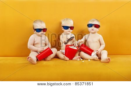 Baby 3D Glasses Watching Film On Tv, Children Eating Popcorn And Watch Cinema Movie In Home Theater