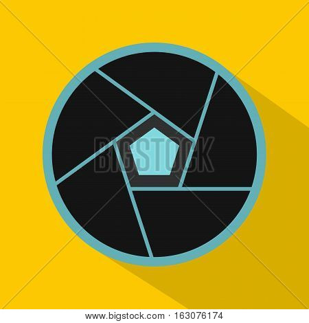 Photographic lens icon. Flat illustration of photographic lens vector icon for web