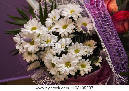 a large bouquet of white romasheh, beautiful white flowers