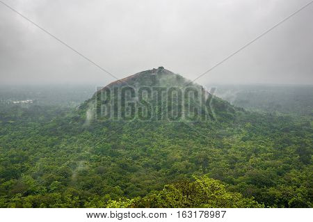 SIGIRIYA SRI LANKA: Sigiriya is an ancient mountain fortress destroyed the remnants of the Palace located in the Central Matale. View from mount Sigiriya.