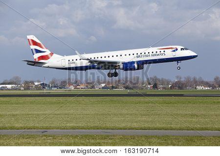 Amsterdam Airport Schiphol - British Airways Embraer 190 Lands