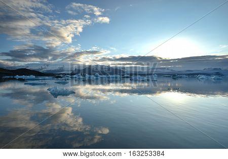 Jokulsarlon Lagoon (Iceland Europe). Jokulsarlon large glacial lake.