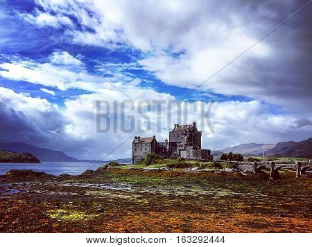 Eilean Donan Castle traveling through the highlands