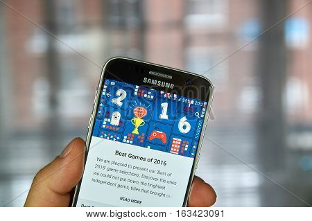 MONTREAL CANADA - DECEMBER 23 2016 : The best of 2016 on Google market. Best games of 2016 on Samsung S7 screen.