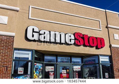 Lafayette - Circa December 2016: Gamestop Strip Mall Location. Gamestop Is A Video Game And Electron
