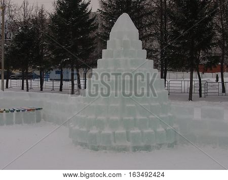 The improvised fir-tree put from ice bricks