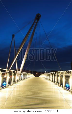 Suspension Bridge Newport March 2007