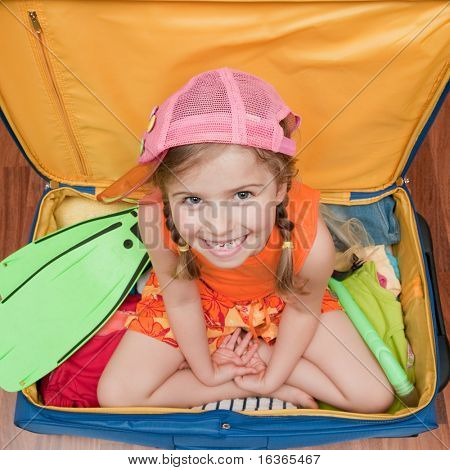 Little girl ready for summer vacation