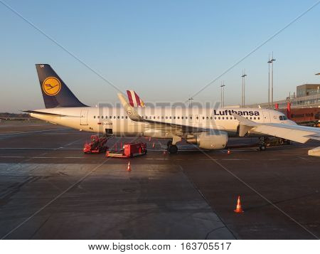 Lufthansa Airbus A320 Boarding In Hamburg