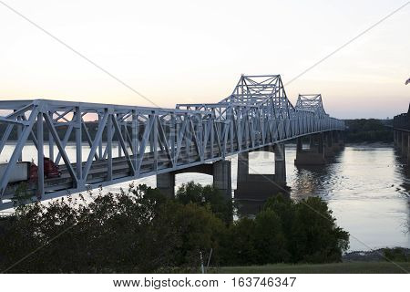Bridge crossing the Mississippi River at the state line