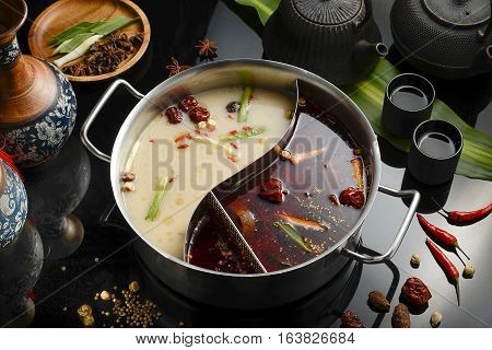 double flavor hot pot, Chinese traditional hot pot