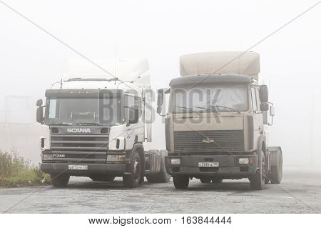 Semi-trailer Trucks