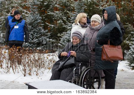 Kazan, Russia, 17 november 2016, meeting relatives crashed in the plane crash in international Airport 17 november 2013, telephoto