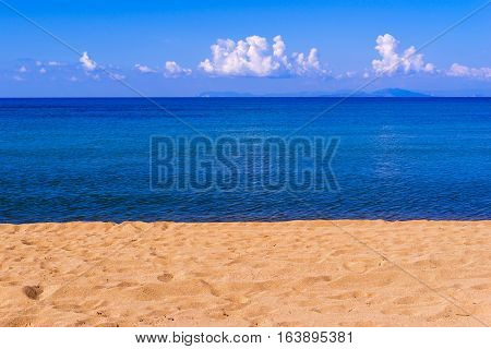 bright landscape of the sea coast and sky with the horizon for a natural background or for wallpaper