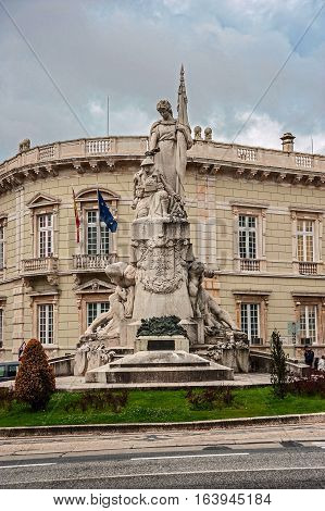 Portugal Lisbon . Monument to the fallen in World War I on the Avenida da Liberdade .