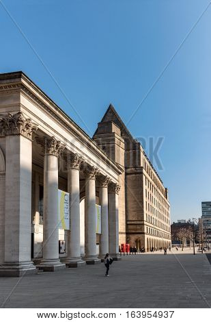 Manchester Central Library is the headquarters of the city's library and information service in Manchester England.