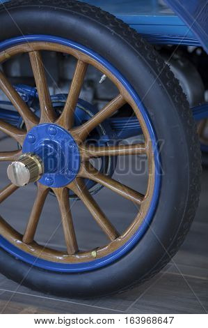 Spoked Wheel and tire of a 1904 horseless carriage automobile