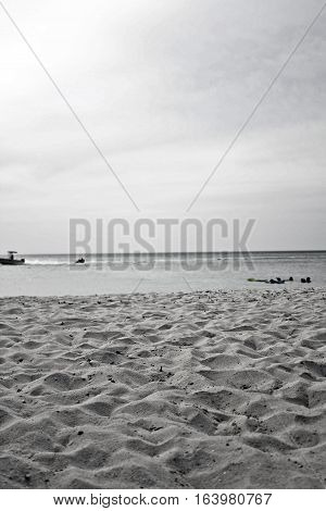 Black and white image of the beaches of aruba