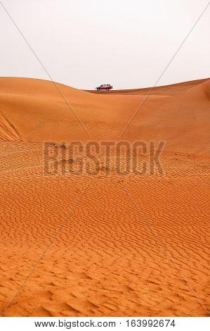 4WD safari on the sand dunes of Dubai