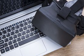 3D Vr Virtual Reality Headset On A Laptop