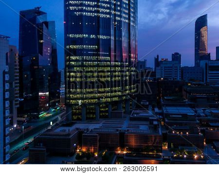 Abu Dhabi, Uae - August 30, 2018: Wtc (world Trade Center) On A Cloudy Tropical Sunset In Abu Dhabi