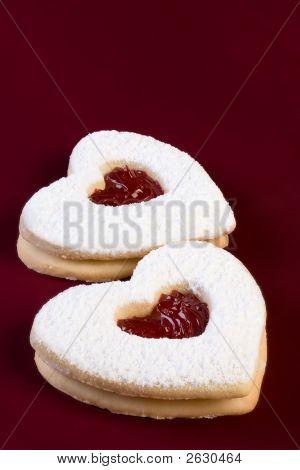 Valentine Linzer Tarts