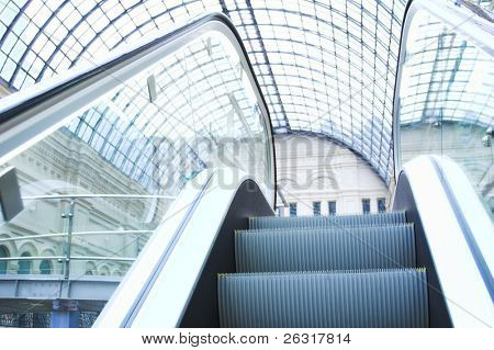 Rolltreppe im Einkaufszentrum, GUM, Moskau