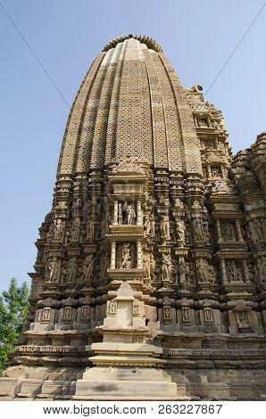 Vamana Temple, Wall Sculptures And Shikara - Closeup, Eastern Group, Khajuraho, Madhya Pradesh, Indi