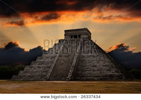 Anicent mayan pyramid in Chichen-Itza, Mexico