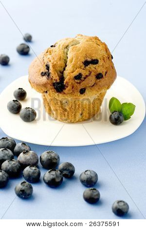 muffin with berries