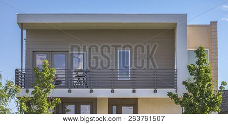 Home With Balcony And Flat Roof In Daybreak Utah