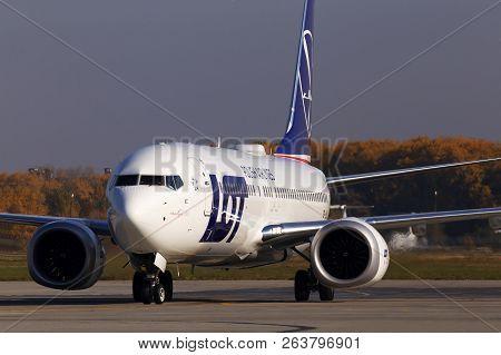 Borispol, Ukraine - October 17, 2018: Sp-lvc Lot - Polish Airlines Boeing 737 Max 8 Aircraft Running
