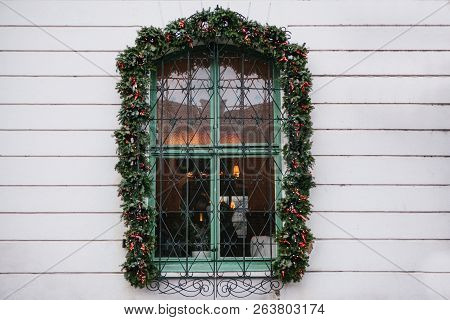 Christmas Decoration Window Cafe Or Restaurant. Christmas Decoration Window Cafe Or Restaurant. Chri