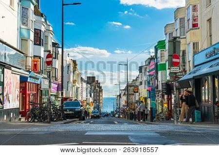 Brighton, England-1 October,2018: Brighton Walking Street In Tree Junction With Local People, Visito