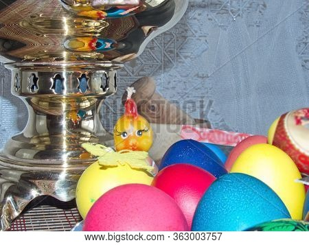 Sparkling Samovar And Colorful Easter Eggs - Part Of The Passover Meal. Easter (bright Sunday Of Chr