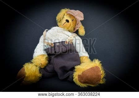 A Handcrafted Original Teddybear, - Part Of A Collection - This Unique Specieman And Special Type Se