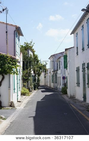 Narrow French street
