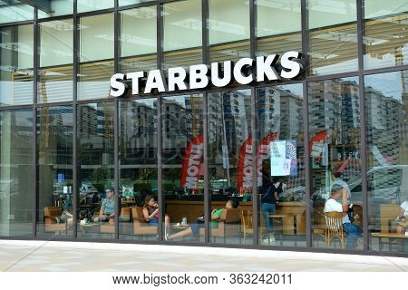 Pasay, Ph - May 26 - Starbucks Coffee Facade At Met Live Mall On May 26, 2019 In Pasay, Philippines.