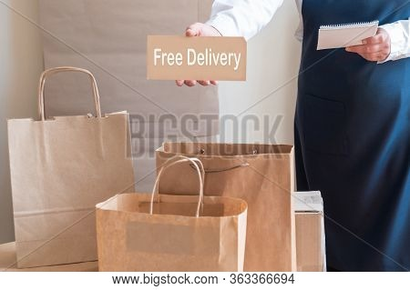 Worker Free Delivery Service Packing Bag Box Apron Packer Note Card