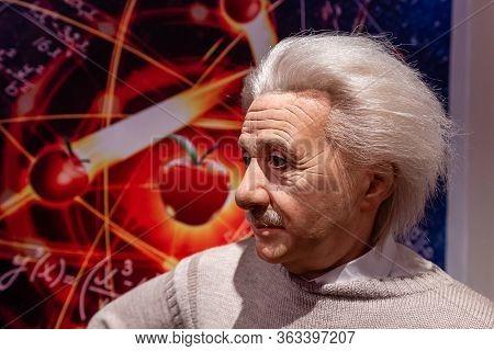 London, England, Uk - January 2, 2020: Waxwork Statues Of Albert Einstein Created By Madam Tussauds,