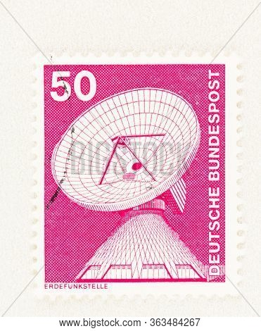 Seattle Washington - April 26, 2020:  1975 Stamp Featuring Dish Aerial At Raisting Satellite Earth S