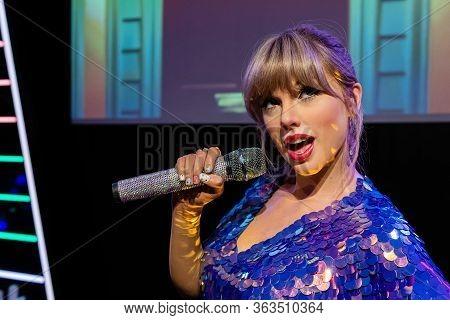 London, England, Uk - January 2, 2020: Waxwork Statues Of Taylor Swift,  Madame Tussauds Waxwork Mus